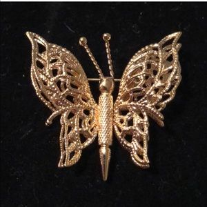 Signed MONET Vintage BUTTERFLY BROOCH Pin Filigree